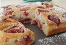 Torta con fresas fácil y rápida